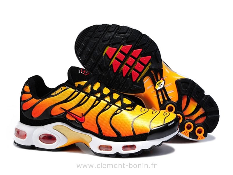 chaussure homme nike tn plus