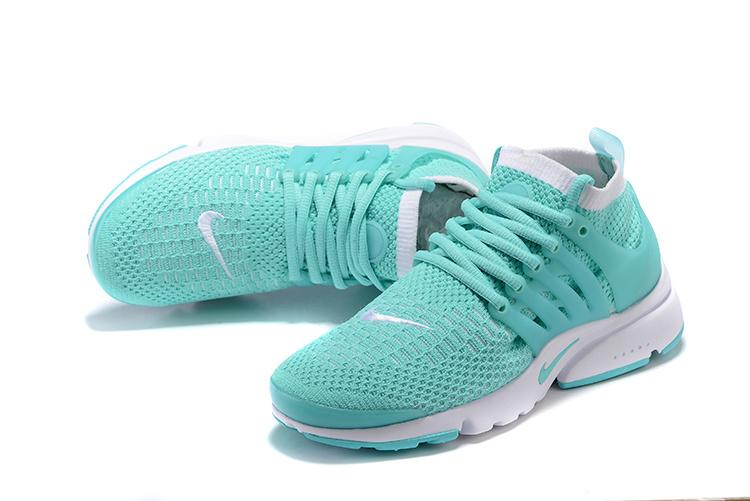 chaussures femmes nike air presto